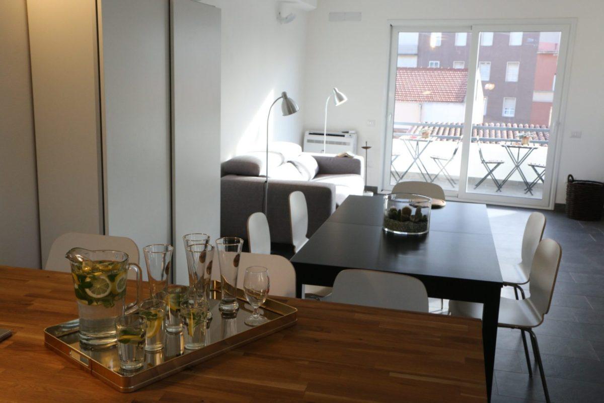 Cagliari Holiday Apartment Giardini 15, Living Room. Holiday Home in the Historic Center of Cagliari ,Sardinia